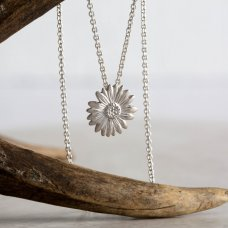 Mosami Daisy 'Happiness' Pendant Necklace